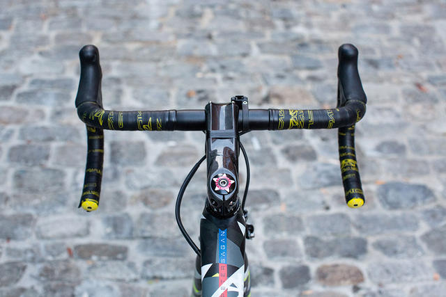 Sagan S-Works Tarmac 6 Handlebars Top View.jpg
